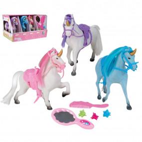 3 unicorni con stalla e accessori